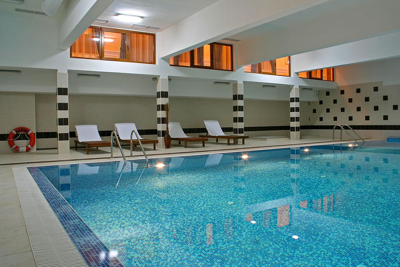 """SPA център и басейн - хотел """"Данубе"""" - Силистра, България"""
