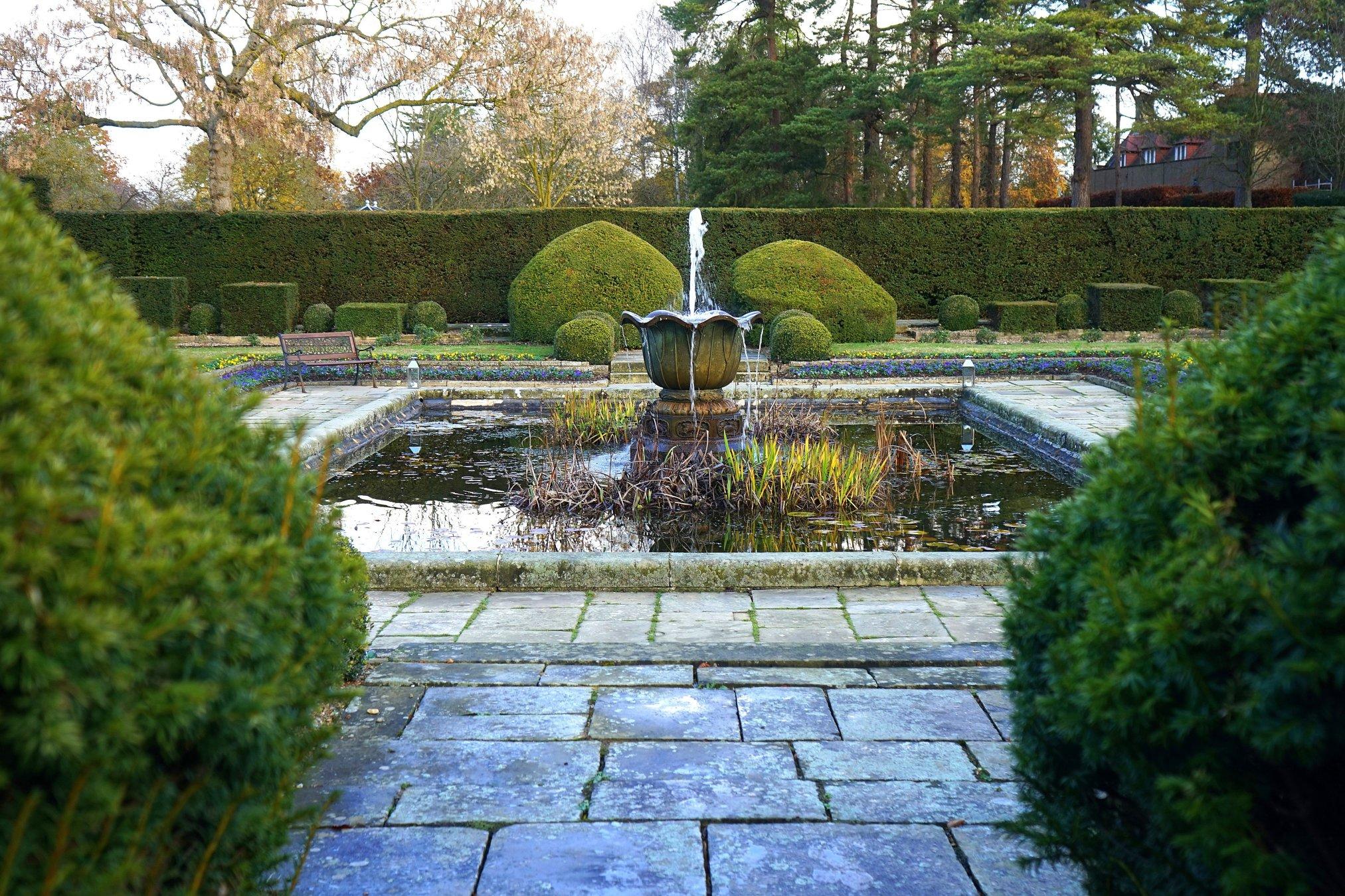 Градински фонтани